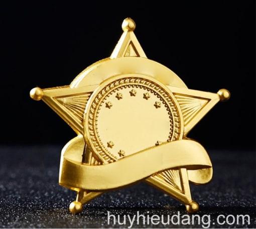 Huy hiệu đồng cài áo 2