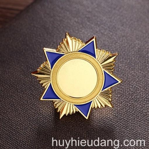 Huy hiệu đồng cài áo 3