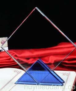 Kỷ niệm chương pha lê 25